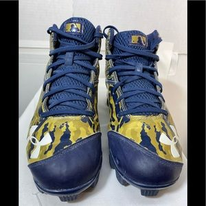 Under Armour Mens Football Cleats Size 8